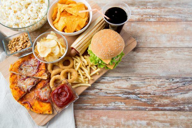 Fast-Food Yiyecekler, Bel Çevresinin Yağlanmasını Sağlar Mı