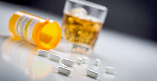 İlaç Kullanırken Alkol Tüketmenin Riski