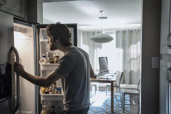 Sürekli Aç Hissetmenizin Nedenleri